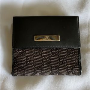 Auth Gucci Leather snd canvas wallet w/ coin purse